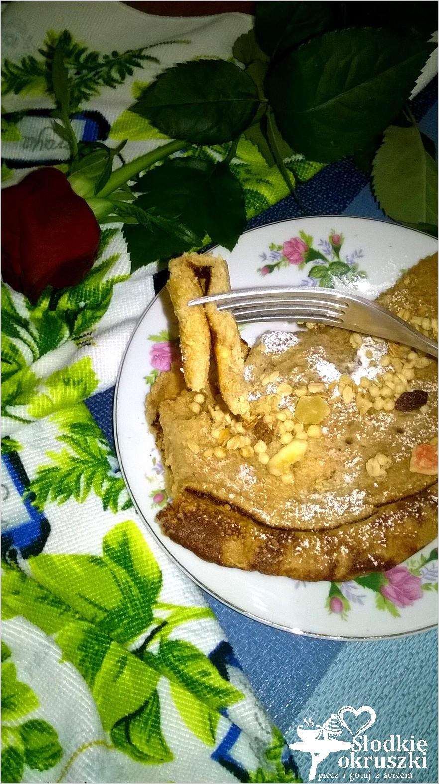 Kawowy omlet z musli