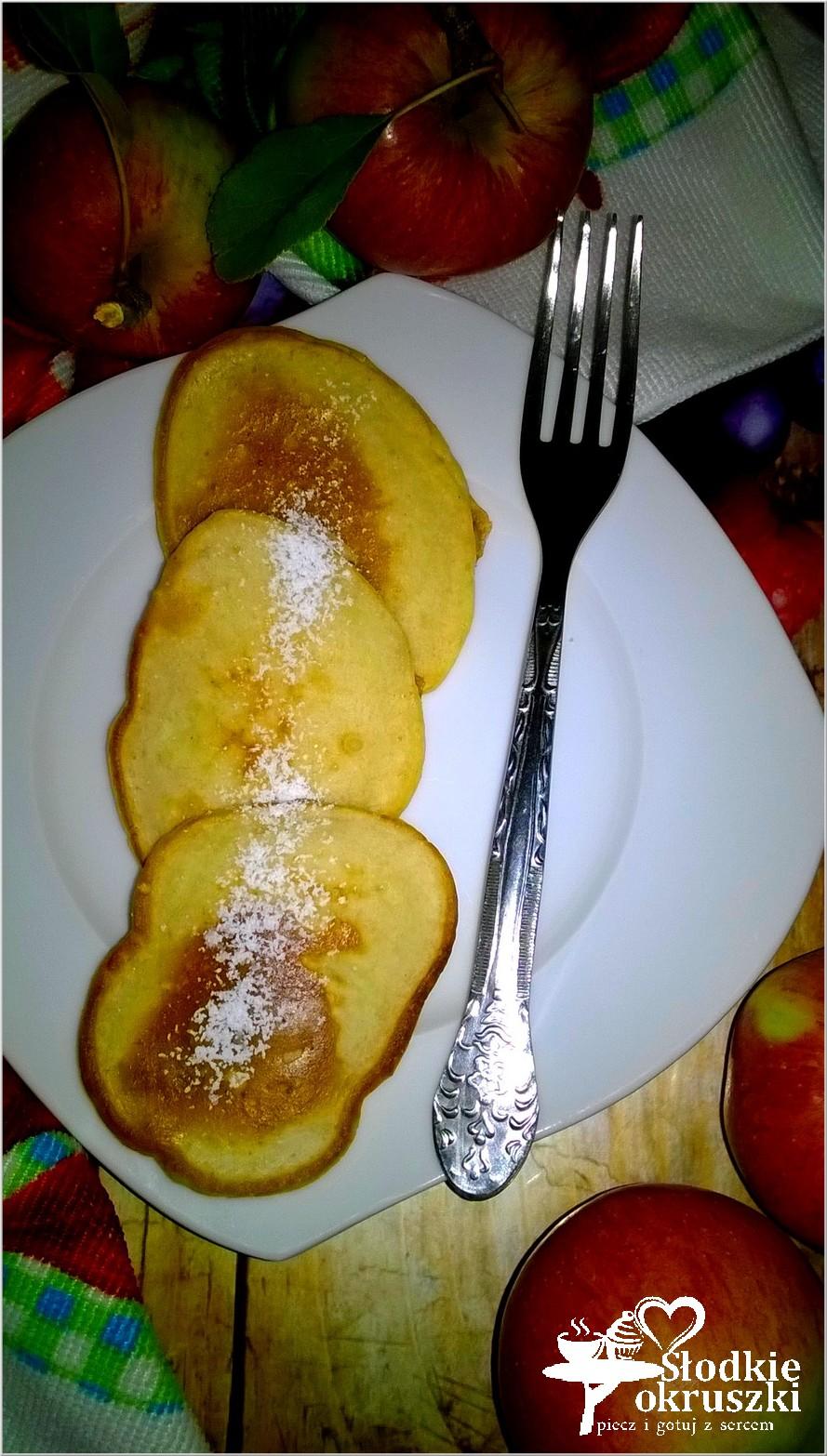 Mleczne placuszki cynamonowo jabłkowe. Pyszne śniadanie w kilka chwil.