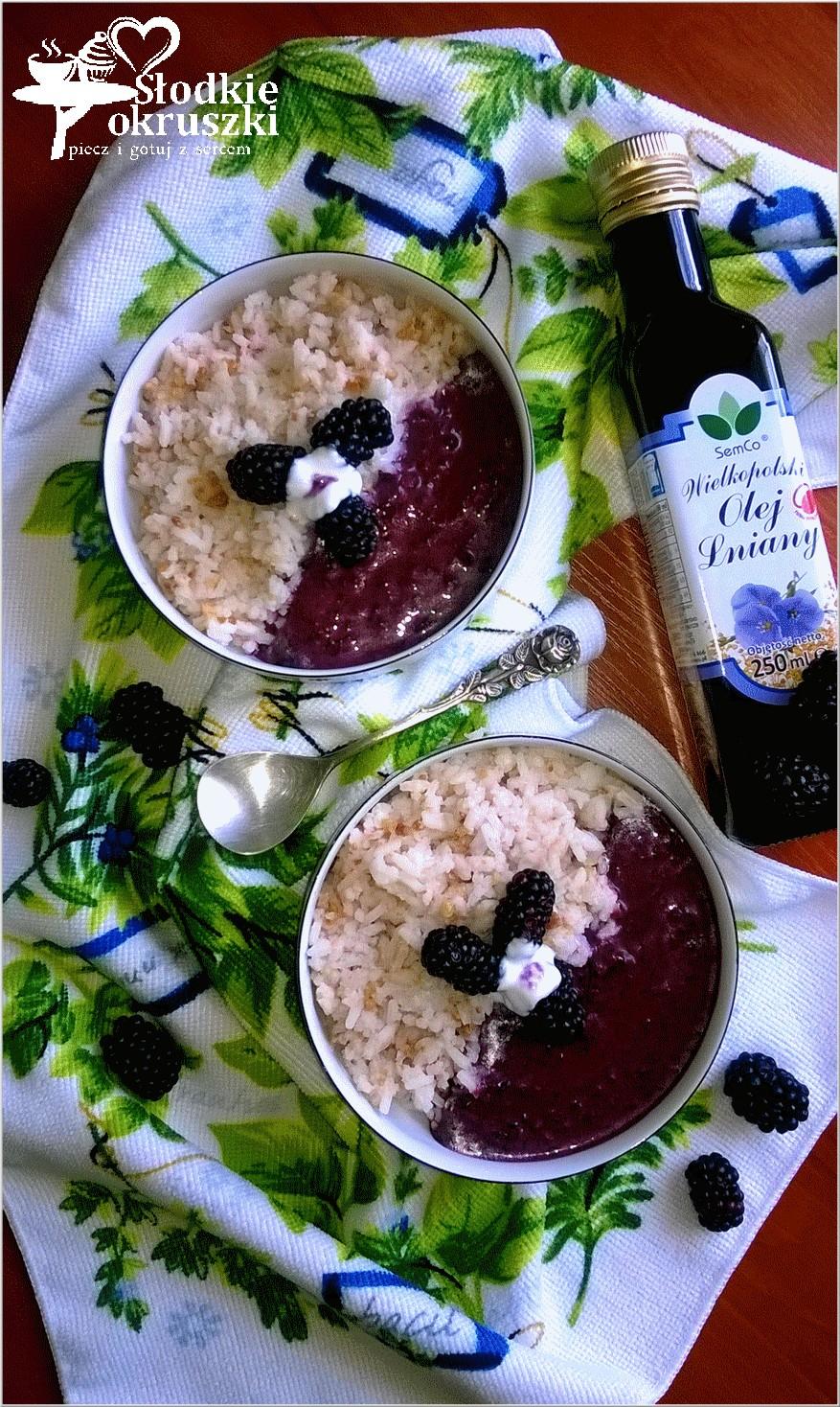Orzechowo ryżowe miseczki z owocowym sosem (z dodatkiem oleju lnianego)