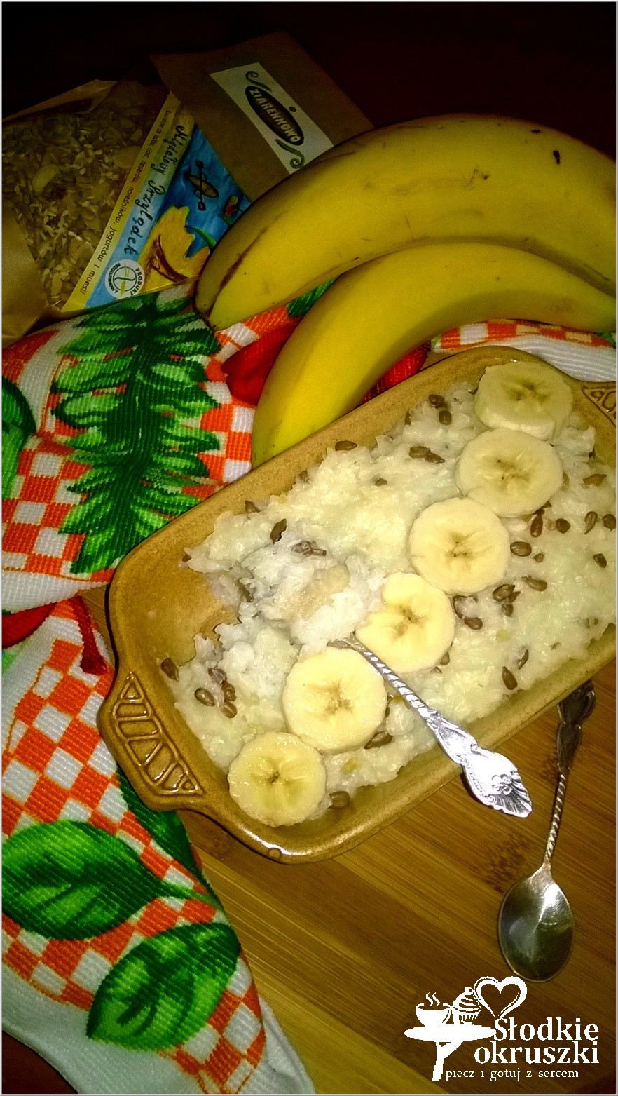 Pyszna zapiekanka ryżowa z bananami i migdałowymi ziarenkami 3