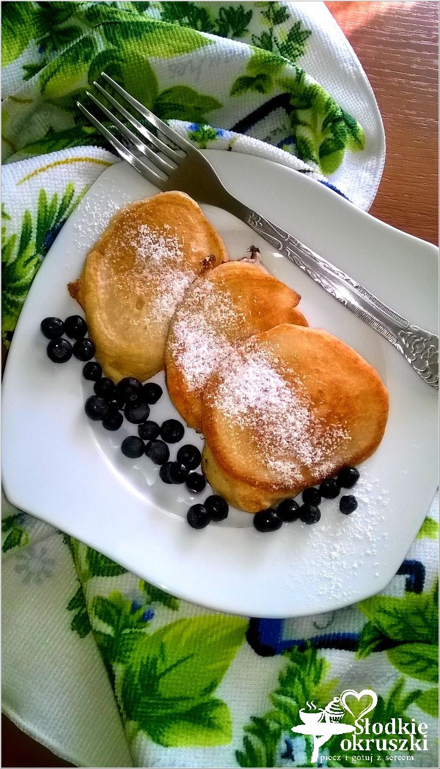Pyszne i puszyste placuszki na kefirze. Śniadanie dla małych i dużych.