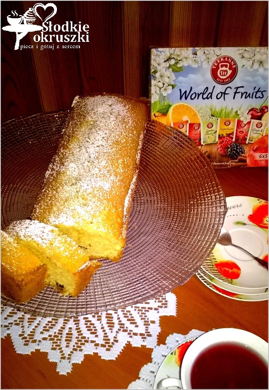 Szybka i łatwa babka waniliowa z rodzynkami i herbatą Teekanne