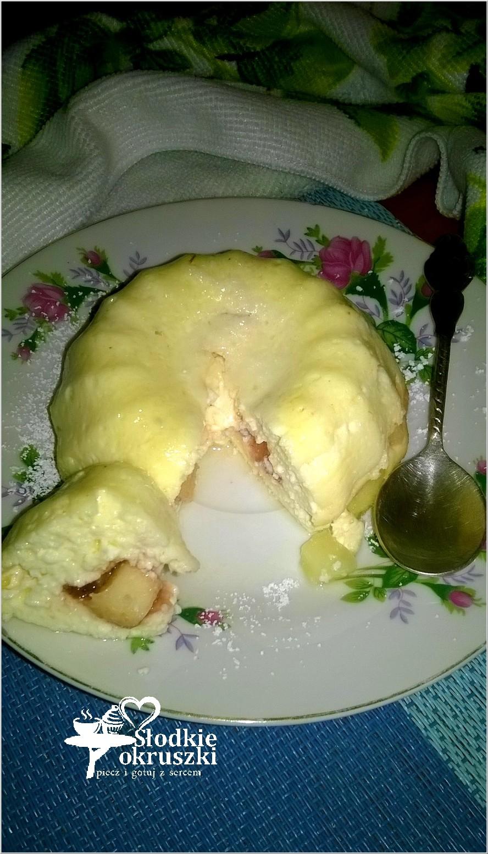 Szybkie i bardzo proste serniczki z kawałkami jabłek i dżemem