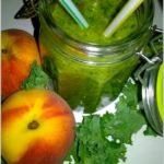 Zielone smoothie z jarmużem. Porcja zdrowia i witamin.
