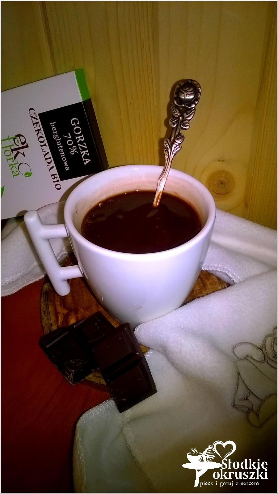 Filiżanka domowej gorącej czekolady (2)