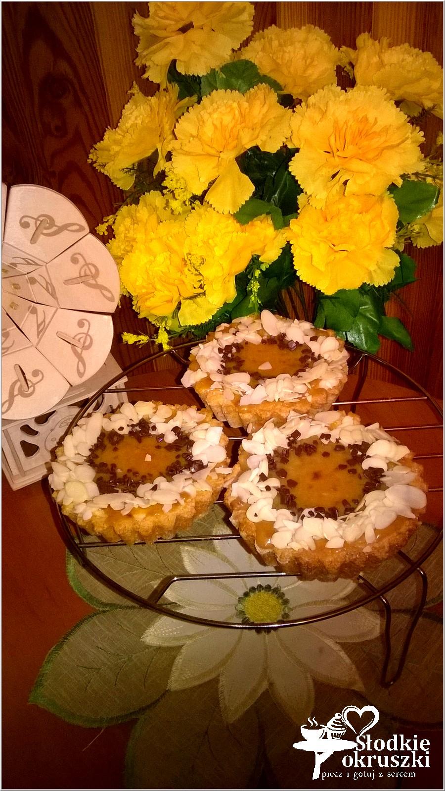 Małe mazurki orzechowe (2)