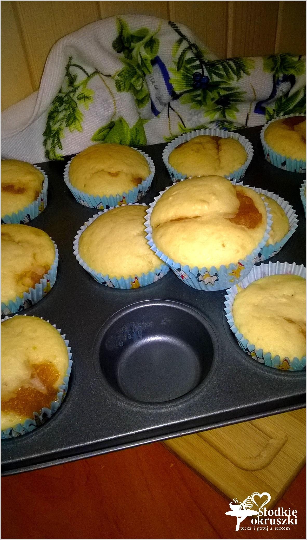 Małe szarlotki w formie muffinek (1)