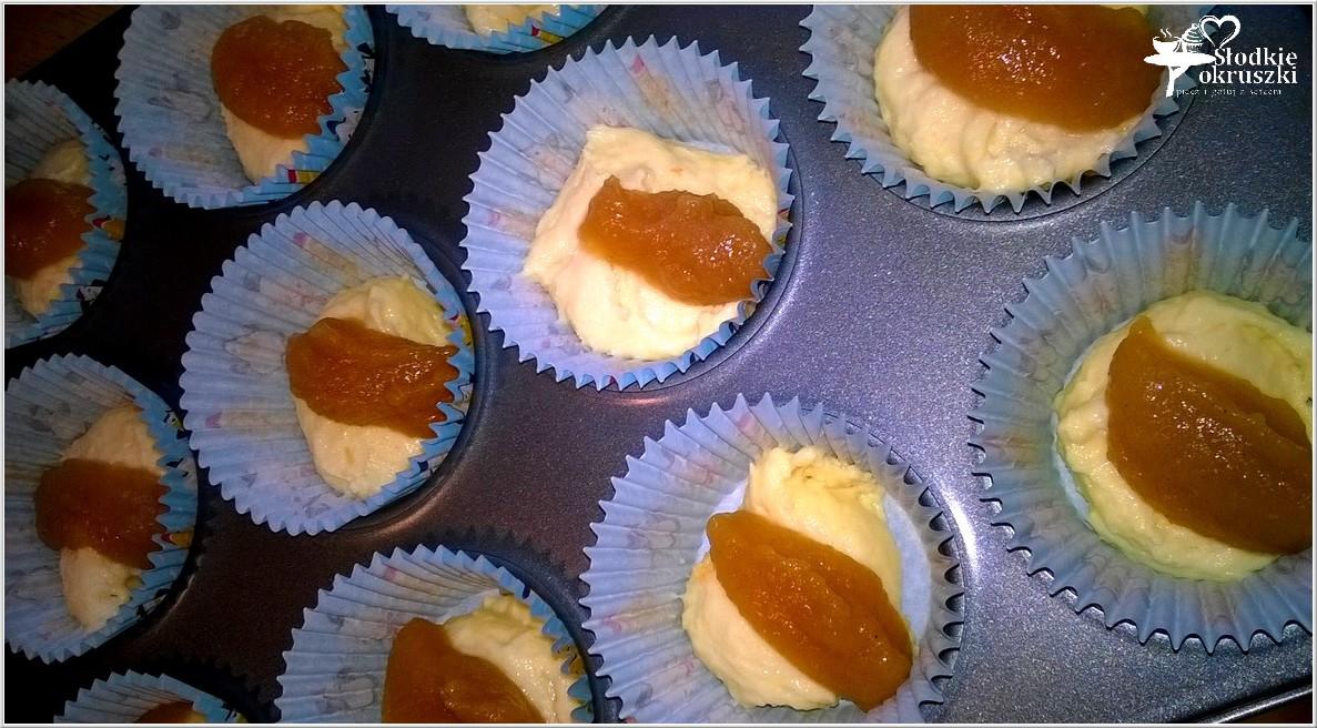 Małe szarlotki w formie muffinek (2)