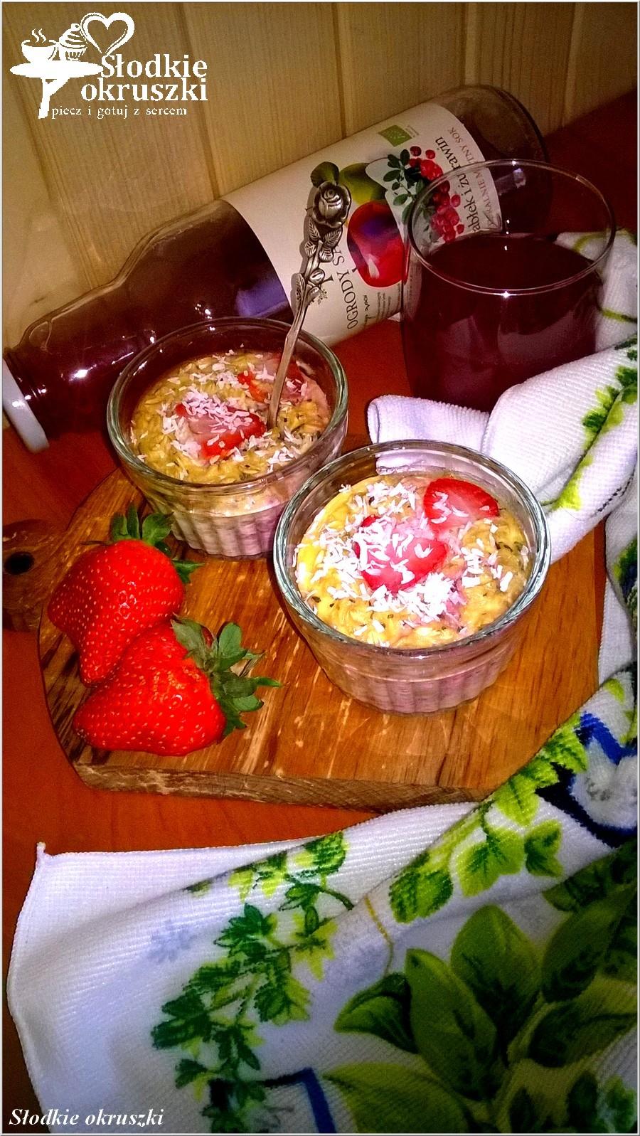 Miętowa owsianka pieczona z truskawkami (2)