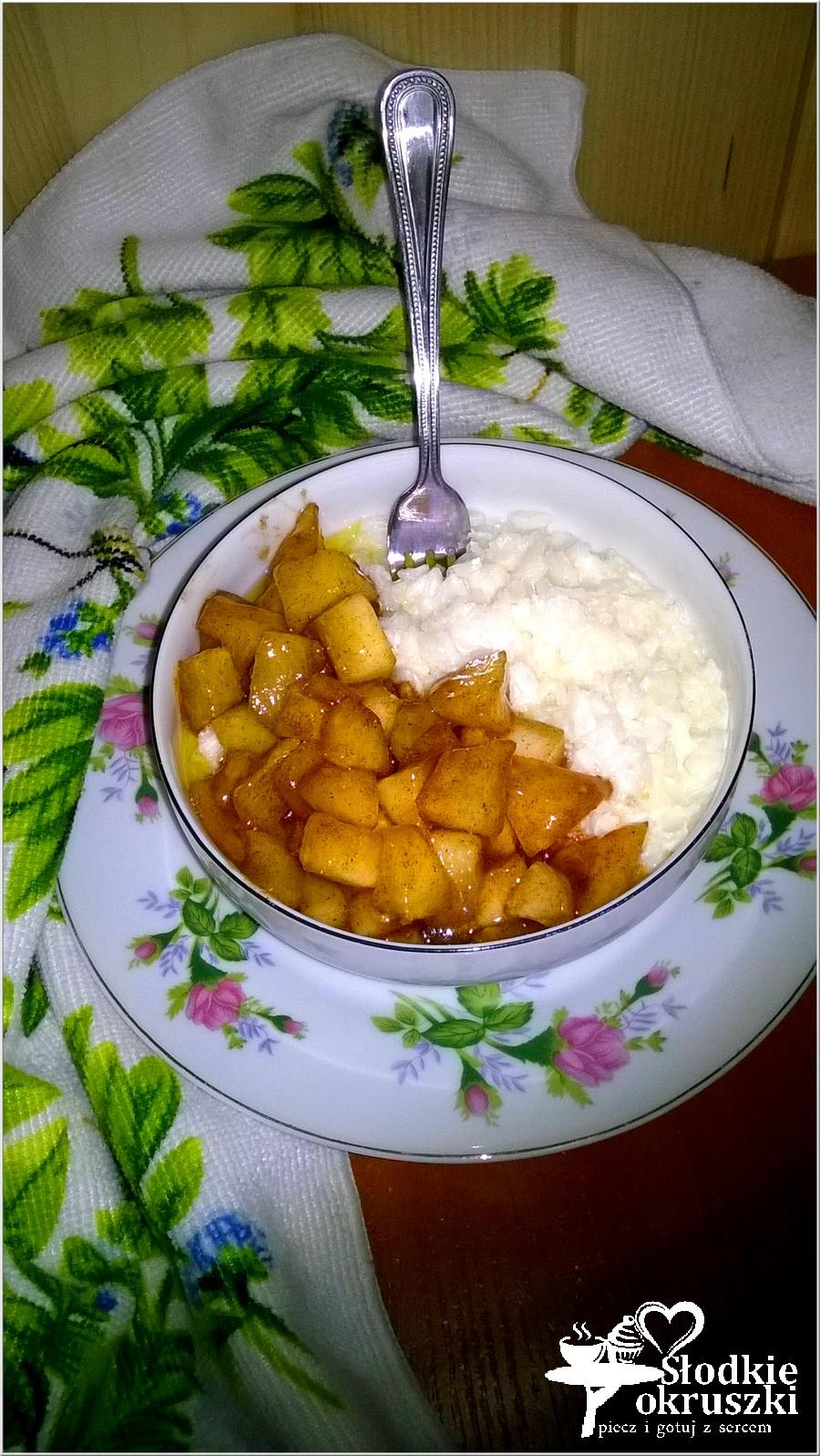 Płatki ryżowe z karmelizowanym jabłuszkiem. Pyszne śniadanie. (1)