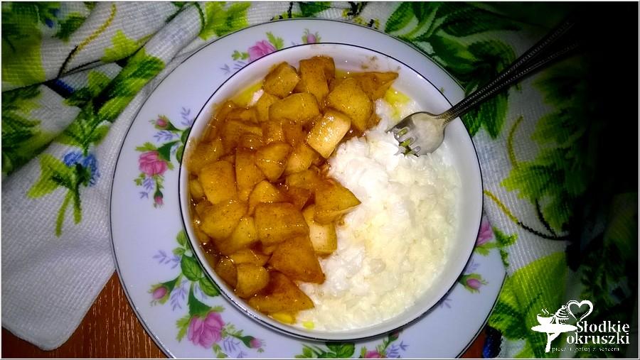 Płatki ryżowe z karmelizowanym jabłuszkiem. Pyszne śniadanie. (2)