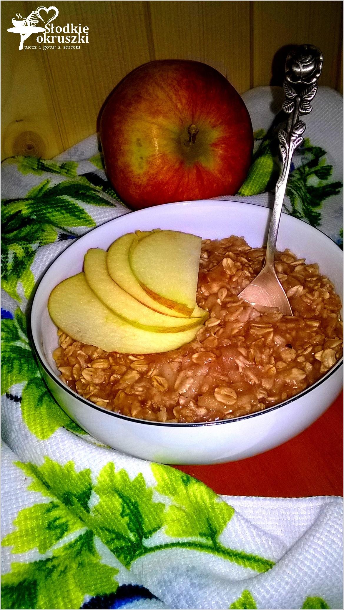 Pyszna jabłkowa owsianka z olejem kokosowym
