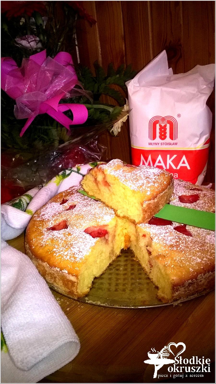Pyszne ciasto z truskawkami (na owocowo-naturalnych jogurtach) (4)