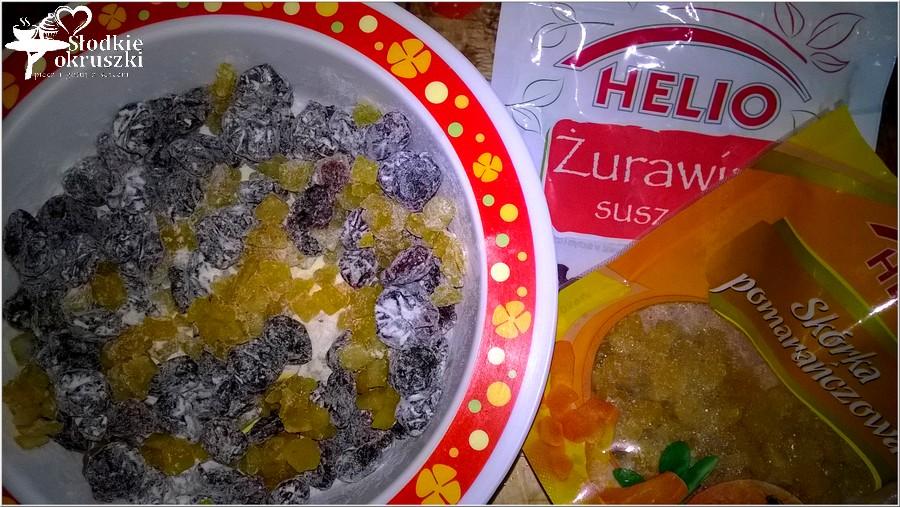 Pyszny waniliowy keks z żurawiną i pomarańczową skórką (1)