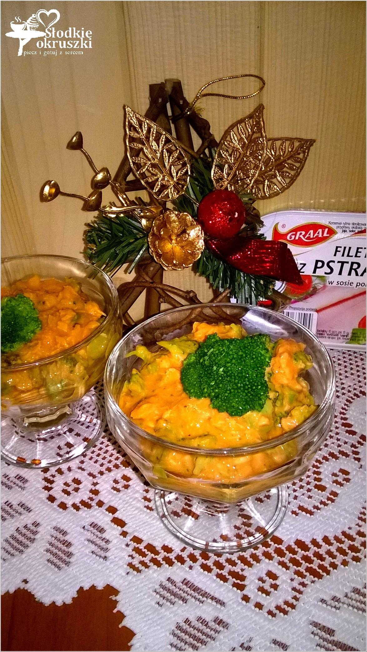 Rybna sałatka z brokułem