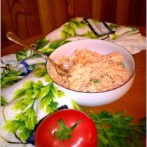 Szybka surówka z marchewki i zielonej pietruszki