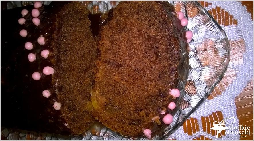 Szybkie ciasto czekoladowe z ananasem