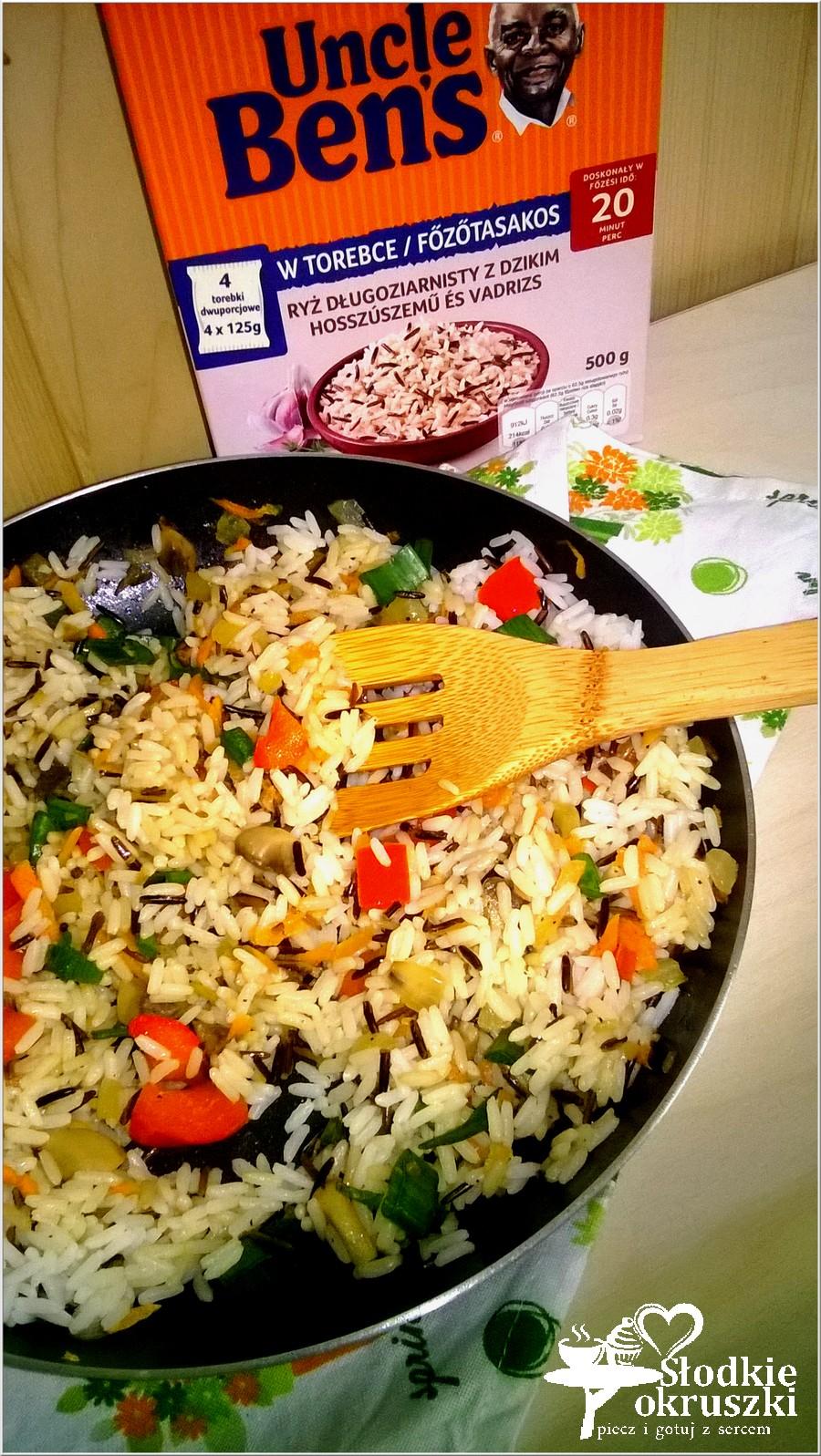 Warzywno-pieczarkowy ryż z patelni. Lekki obiad lub syta kolacja. (2)