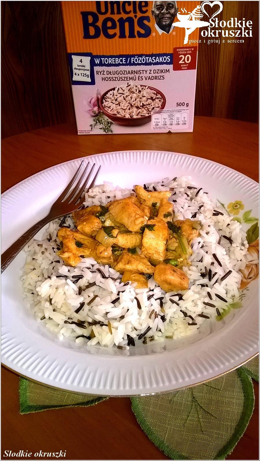 Kurczak w ziołowym sosie na ryżu (4)