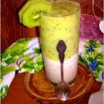 Lekki deser z chia, melasą i musem z kiwi