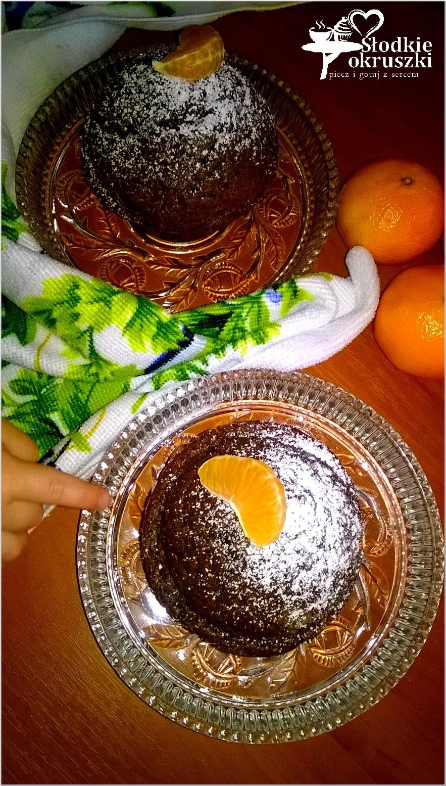 Czekoladowe babeczki Czarny ląd (z dodatkiem czekolady lub nutelli) (1)