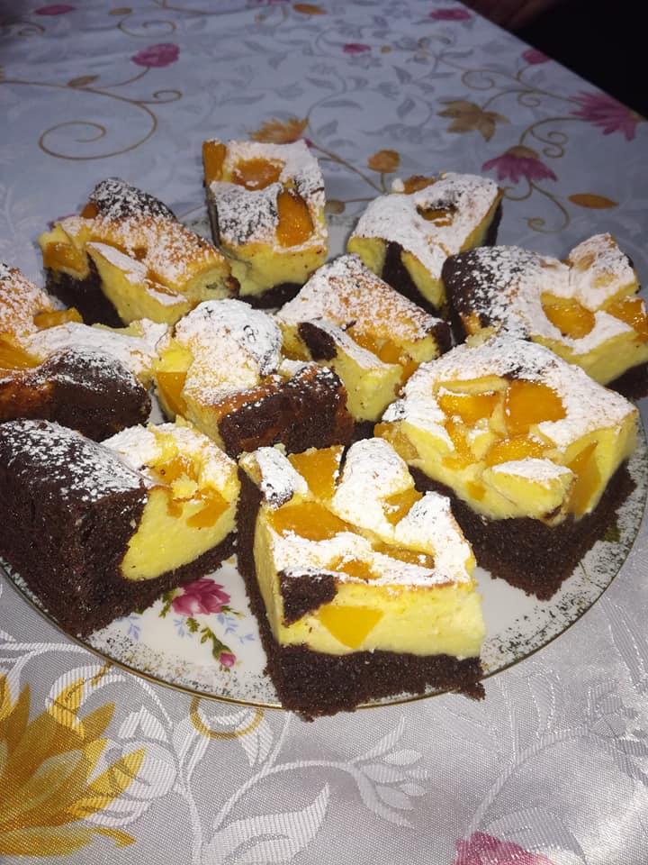 ciasto czekoladowe z serem i brzoskwiniami Pani Danuta W.
