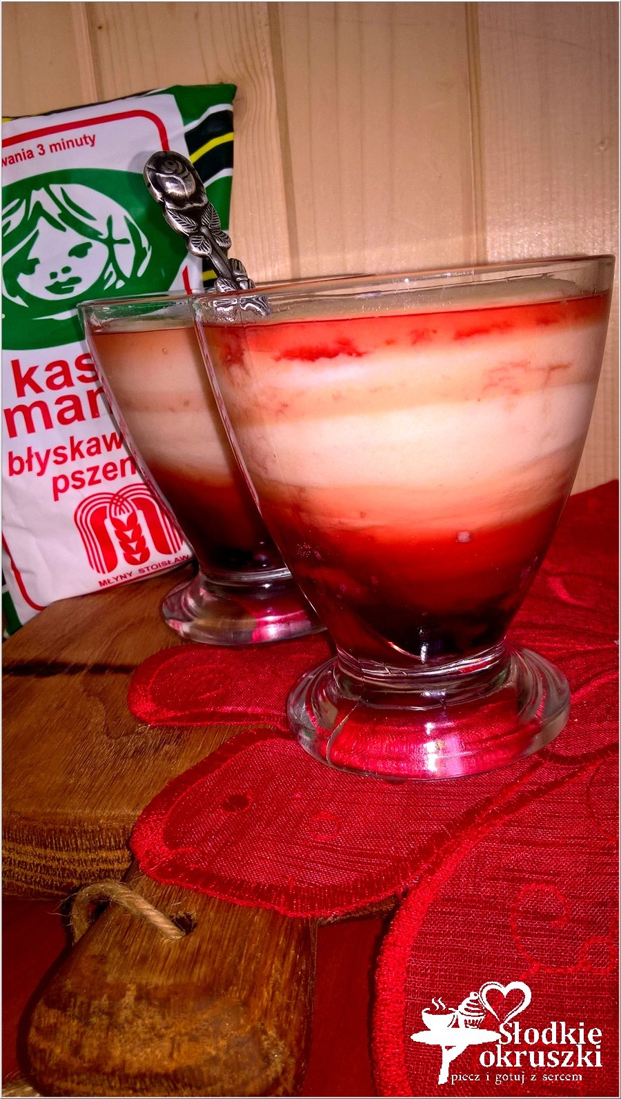 Śmietankowy deser z sokiem malinowym (na bazie kaszy manny) (2)