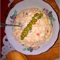 Prostota i smak. Sałatka jarzynowa z groszkiem i kukurydzą. (1)