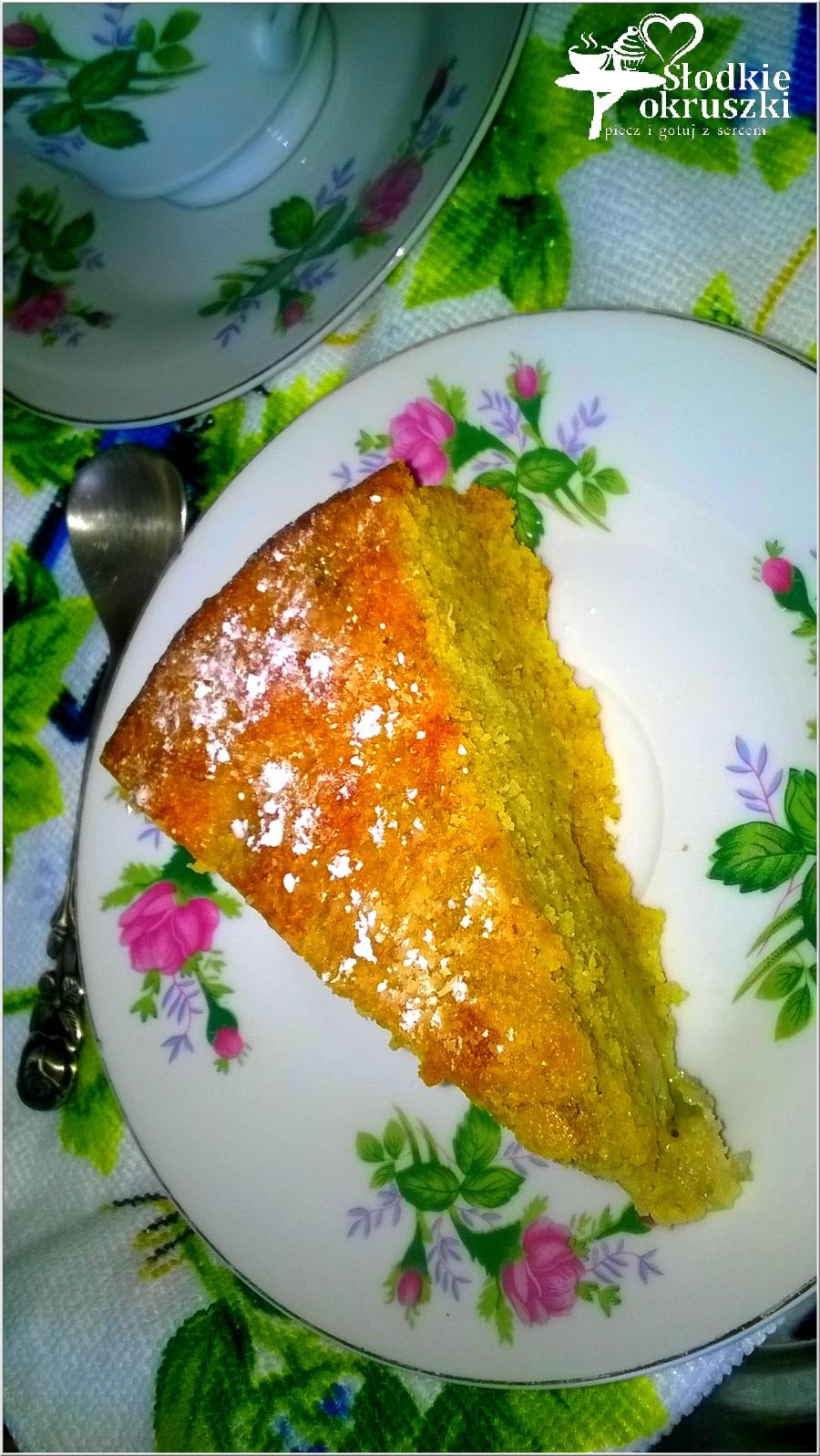 Złote ciasto bananowe na kukurydzianej mące