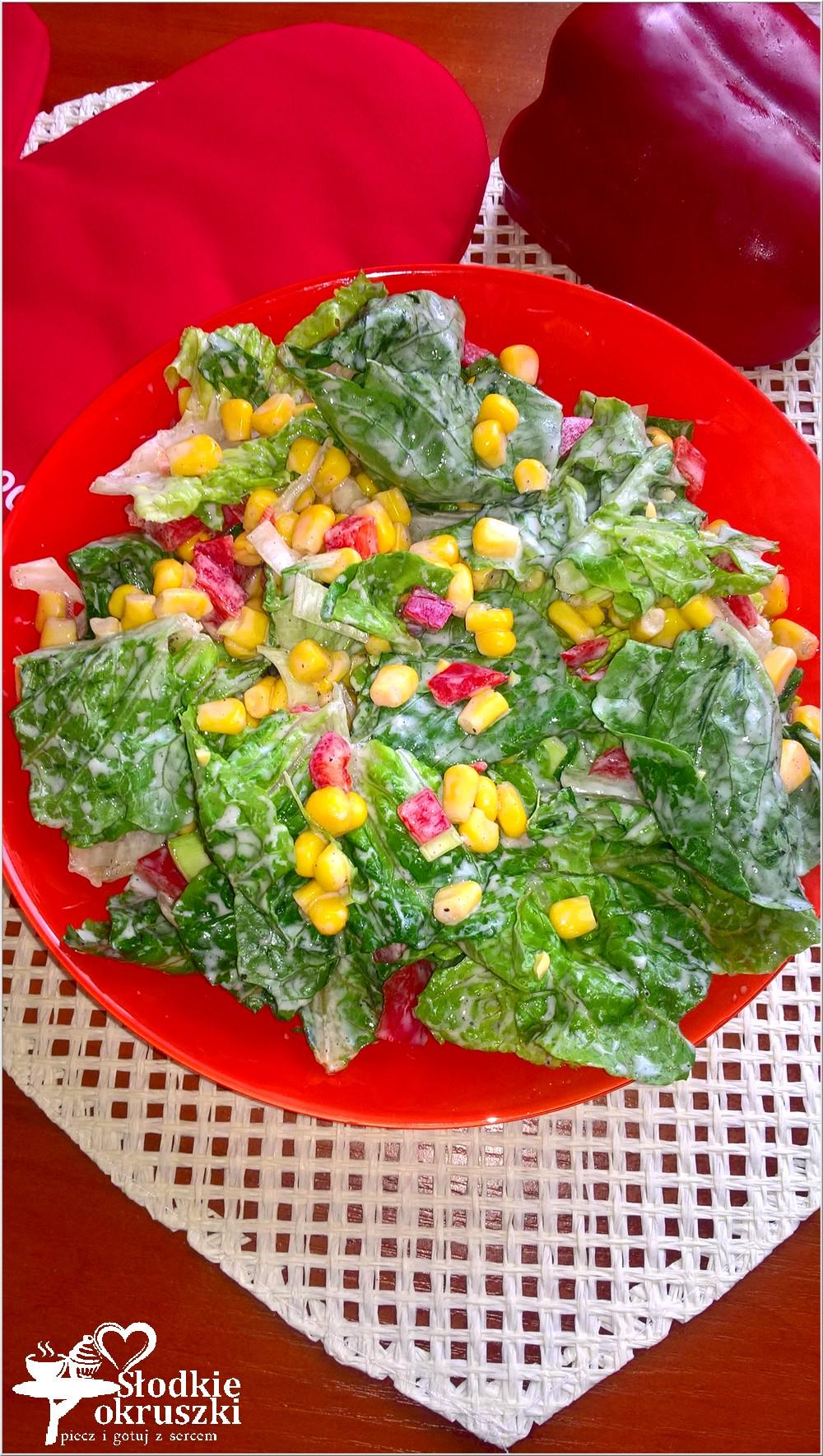 kolorowa-salatka-obiadowa-z-kukurydza-i-papryka-2