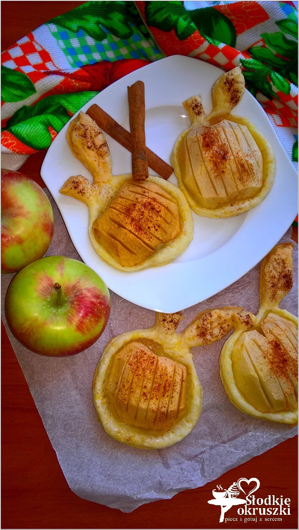 pieczone-jablka-w-ciescie-nadziane-marmolada-2