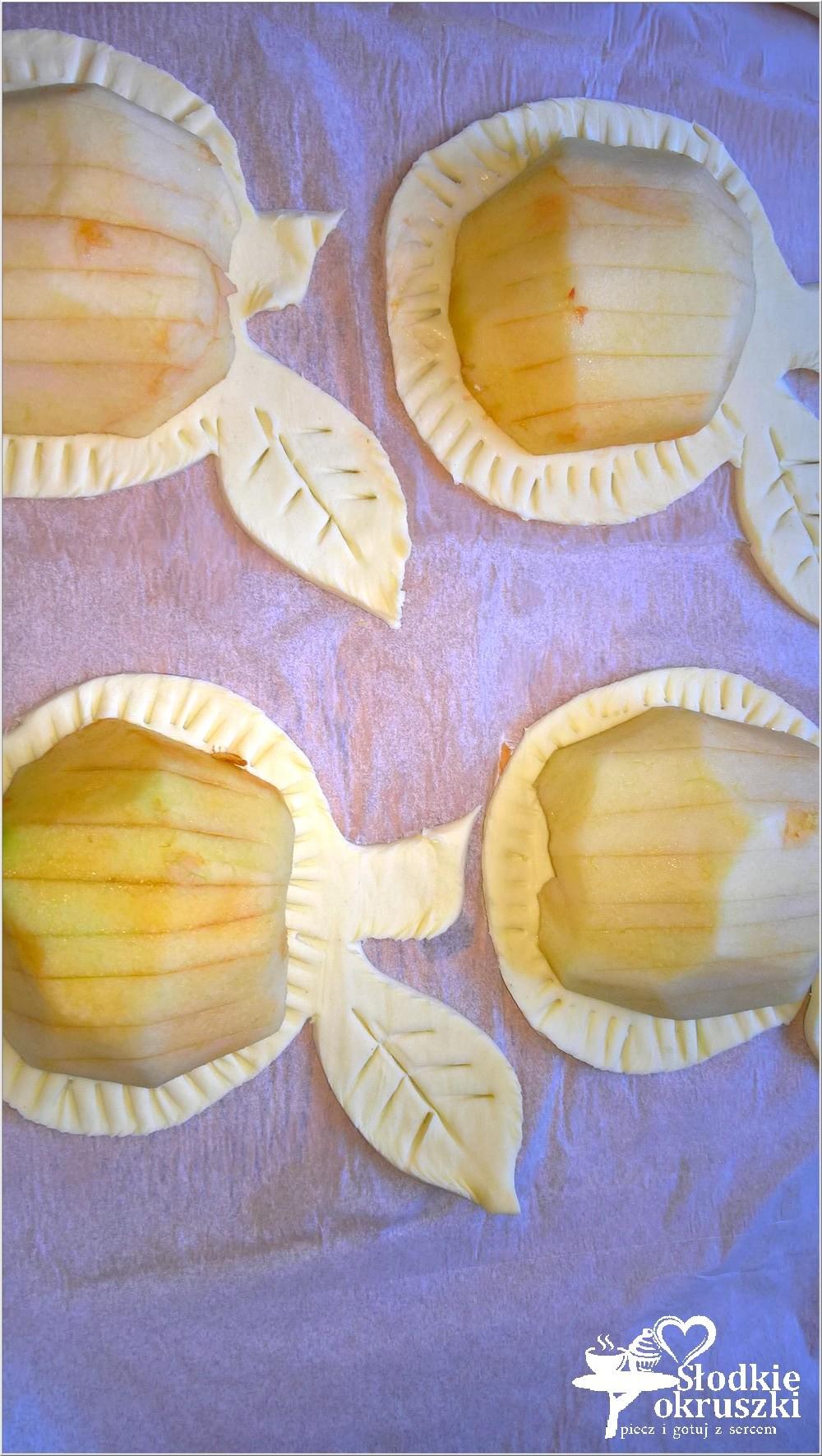 pieczone-jablka-w-ciescie-nadziane-marmolada-4