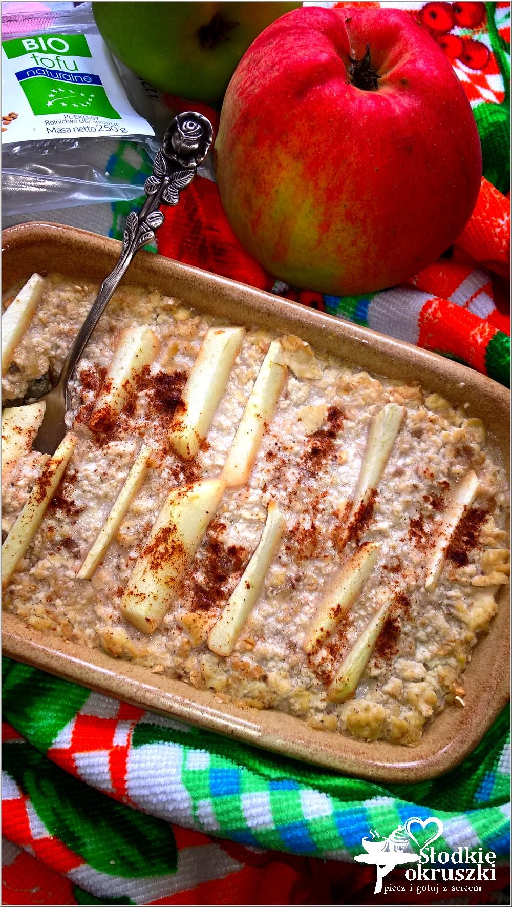 zapiekana-owsianka-z-tofu-bananem-i-cynamonowym-jabluszkiem