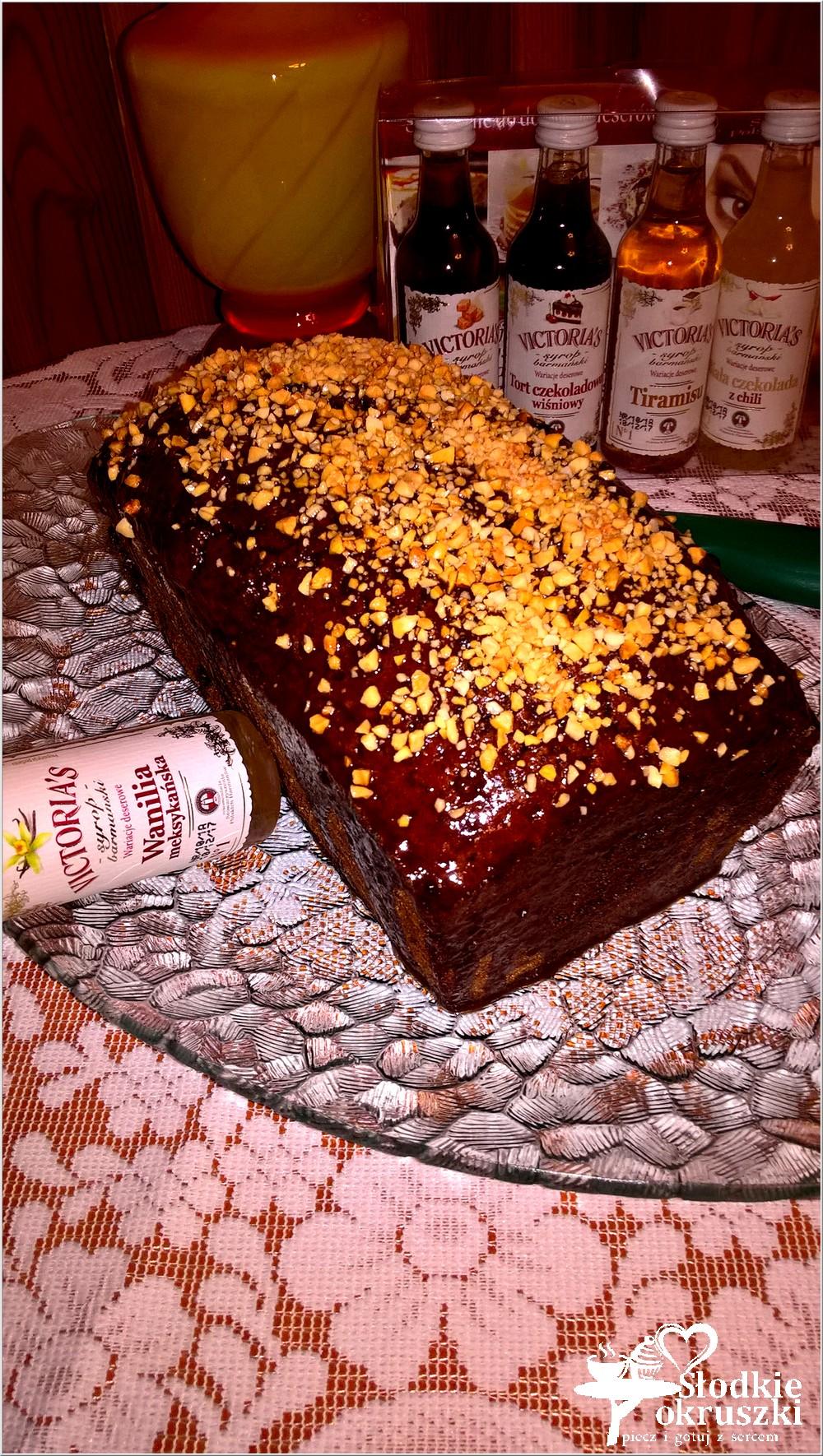 czekoladowe-ciasto-aromatyzowane-syropem-o-smaku-wanilii-meksykanskiej-2