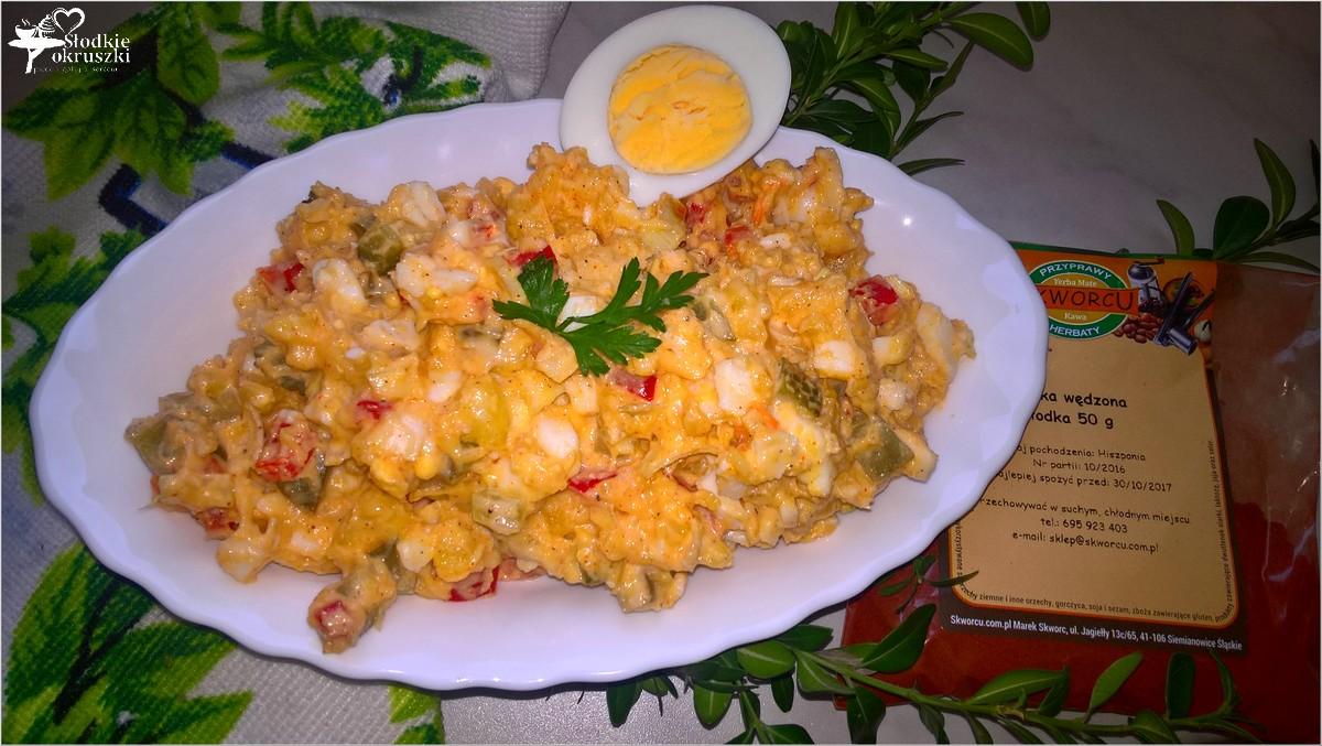 imprezowa-salatka-ziemniaczano-paprykowa-z-kwaszonym-ogorkiem-2