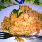 Brązowy ryż z tuńczykiem i ajvarem (na szybko)