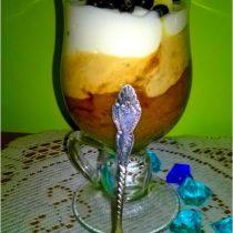 warstwowy-deser-kawowo-bananowy