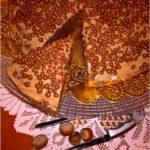Orzechowe ciasto z chrupiącymi dodatkami