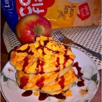 placuszki-z-platkami-kukurydzianymi-na-maslance-sniadanie-z-lubella-1