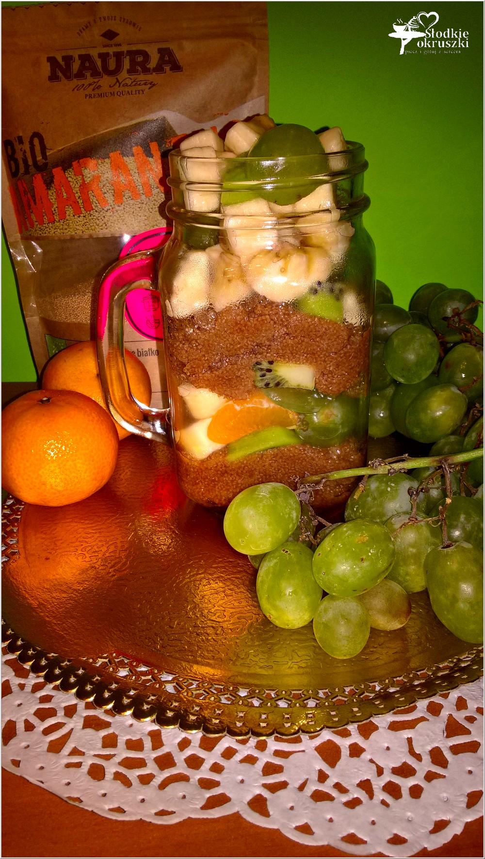 zdrowa-salatka-owocowa-z-cynamonowym-amarantusem-2
