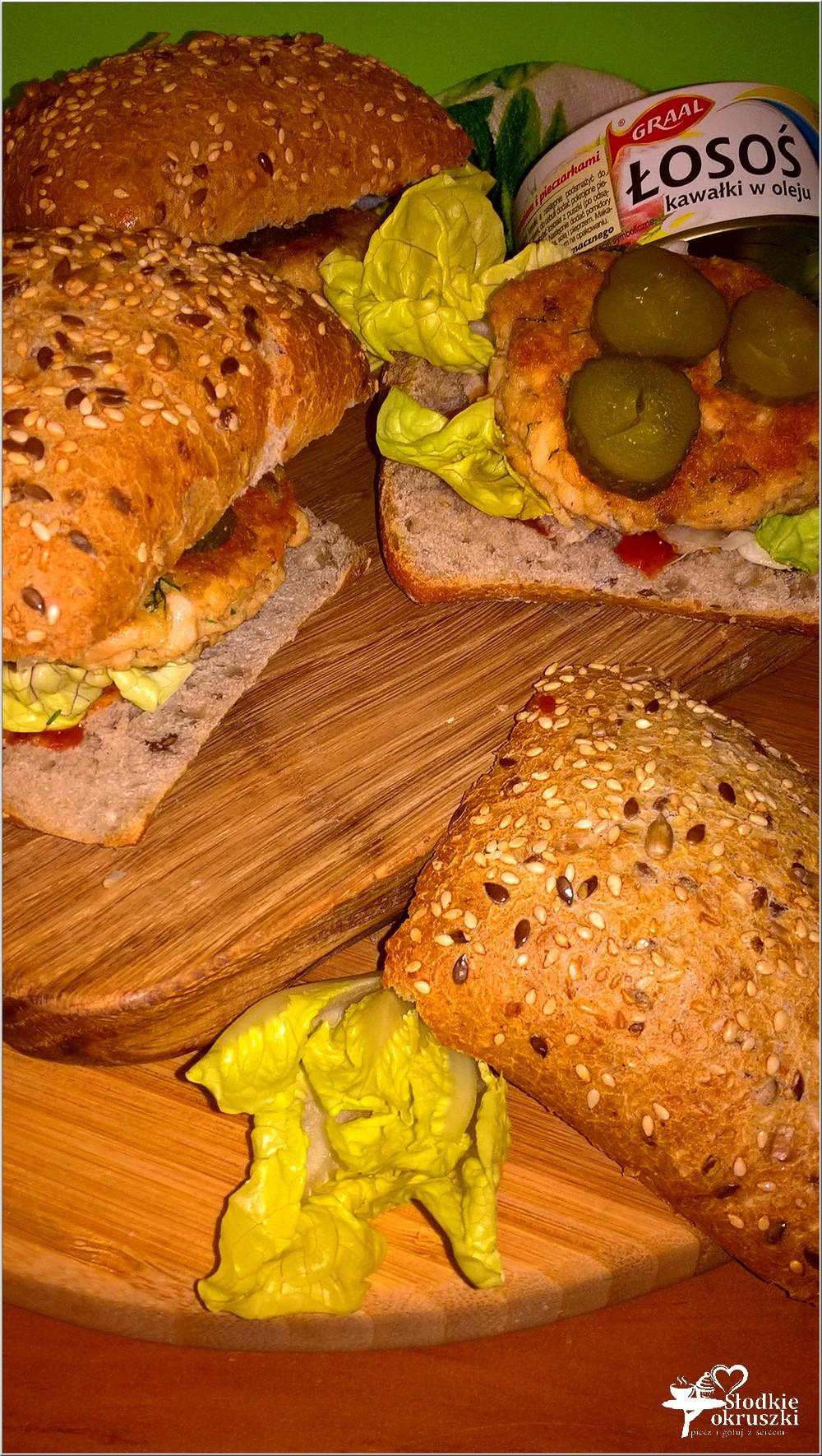 zdrowe-burgery-rybne-z-kotletem-z-lososia-8