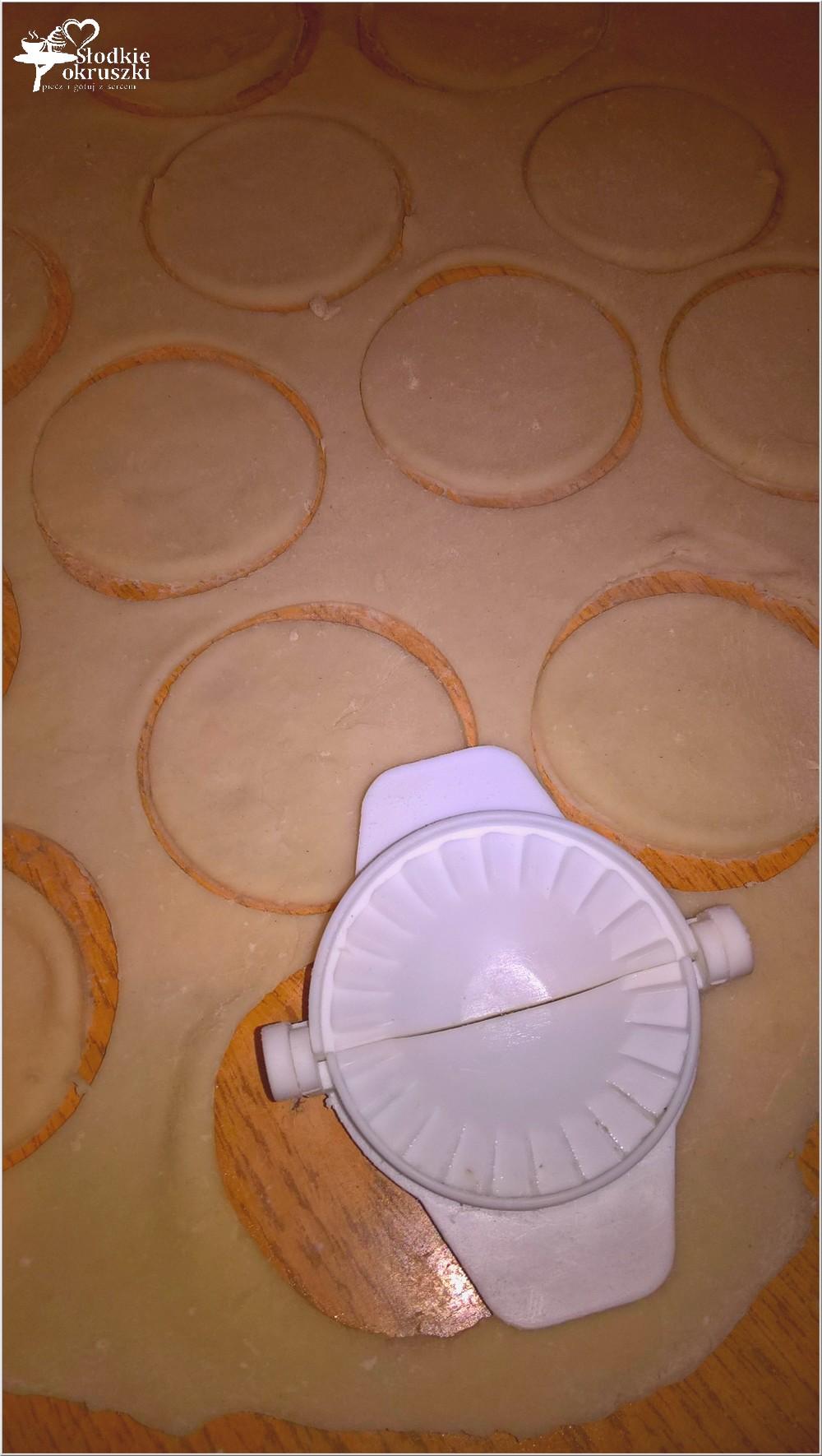 domowe-uszka-z-grzybami-przygotowanie