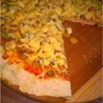 Pizza z polędwiczką z kurczaka i prażoną cebulką