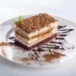 Czy ciasto z alkoholem to przyjemność dla każdego?