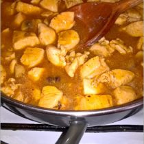 Gulasz z pieczarkami (z piersi kurczaka) (1)