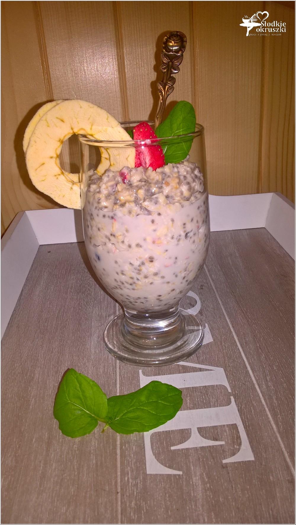 Lekka nocna kokosowa owsianka (1)