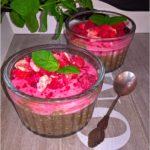 Owocowy pudding chia z musem malinowym