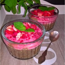Owocowy pudding chia z musem malinowym (1)