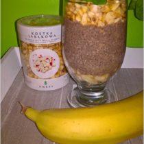 Owsiany deser chia z suszonym jabłuszkiem i bananem (1)