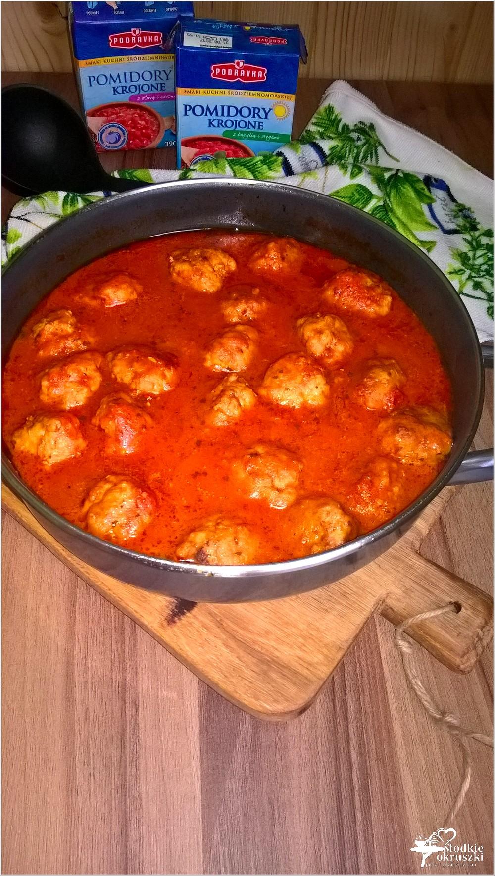 Klopsiki w aromatycznym pomidorowym sosie (3)